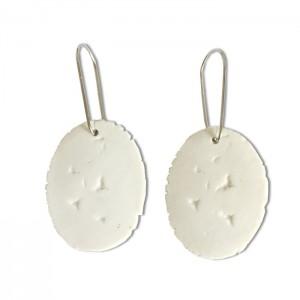 Boucles d'oreilles blanches en porcelaine