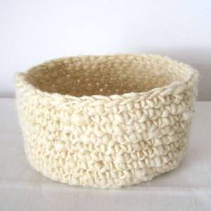 Corbeille en laine naturelle