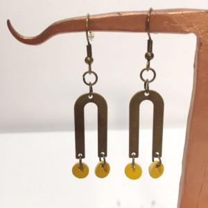 Boucles d'oreilles en laiton et cuir jaune